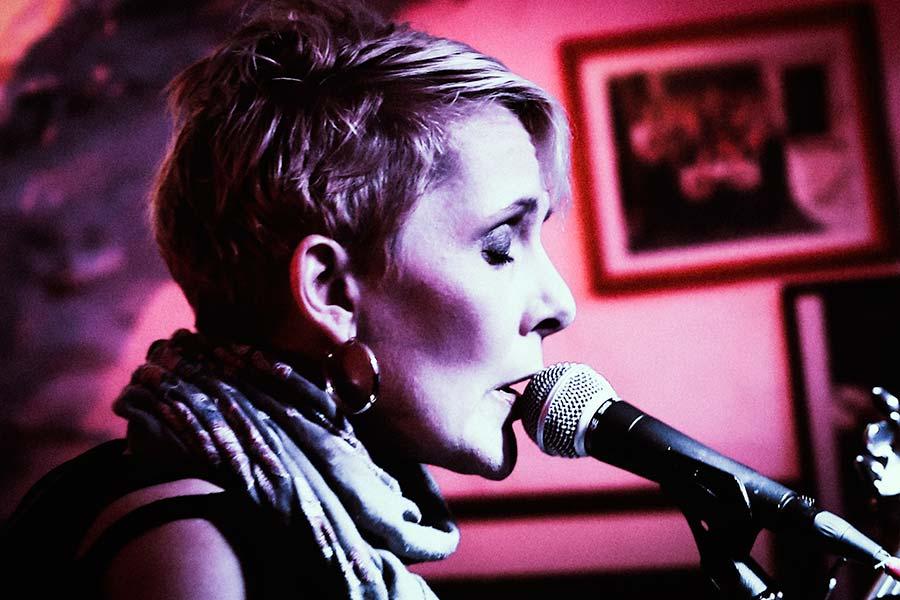 Katja Werker - Große Sängerin verabschiedete sich auf der kleinsten Bühne vom Showgeschäft