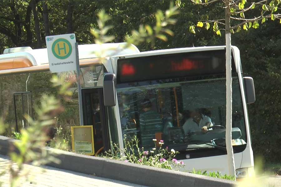 bus - Weltkindertag: Vorfahrt für unsere Pänz!