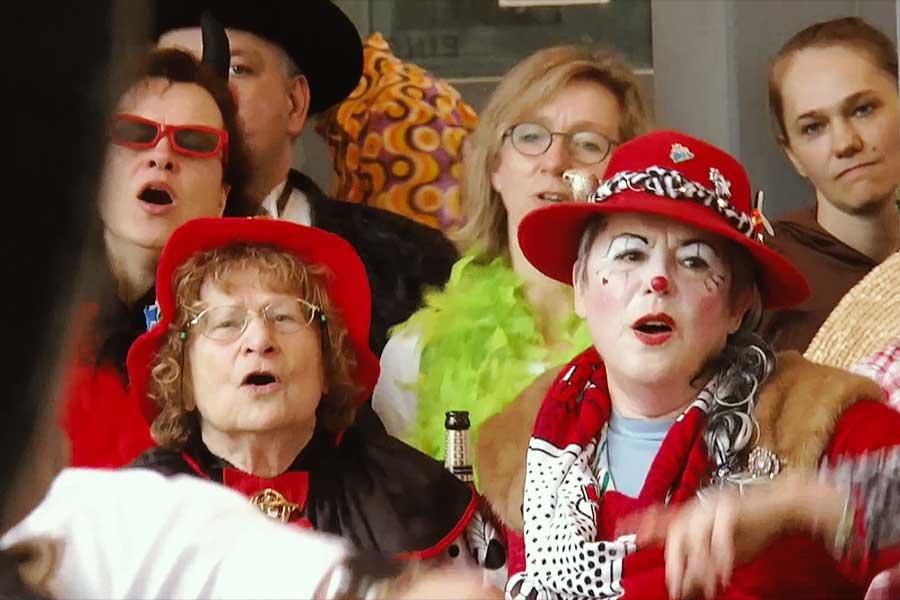 """weiberfastnacht rathaus 1 - """"Jedem Jeck sing Pappnas"""" - Wie wahr!"""