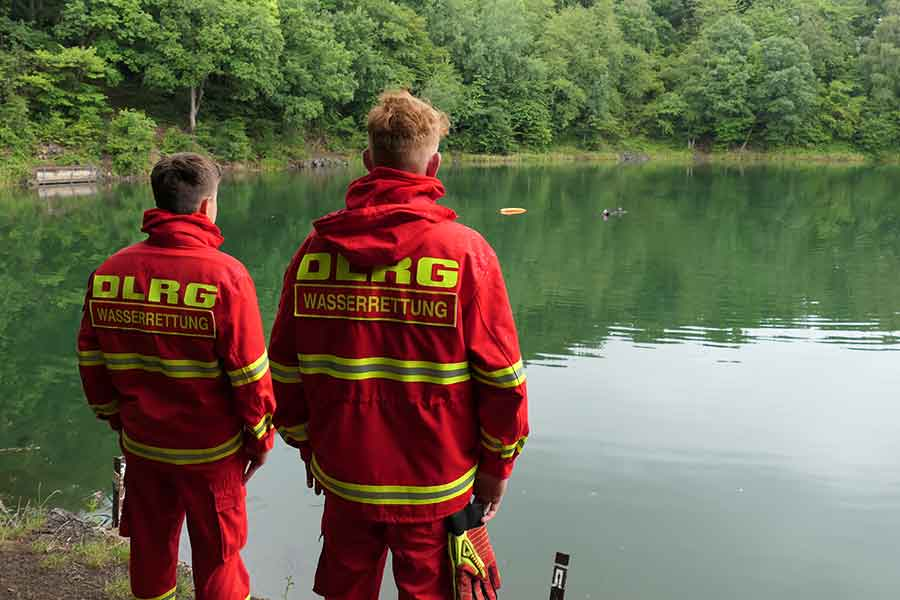 bung himberger see 02 web - DLRG: Taucher bargen Übungspuppe im Himberger See